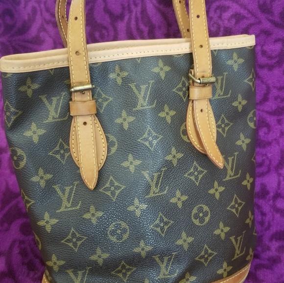 Louis Vuitton Handbags - Louis Vuitton Petit Bucket Bag